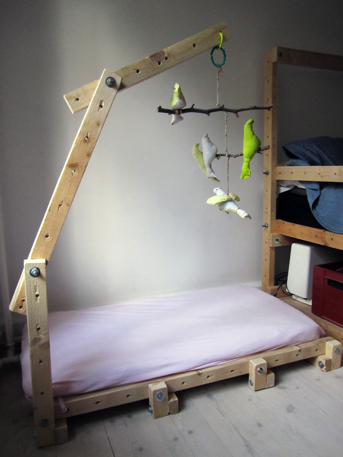 Onsdag Billede / Wednesday Image: Montessori-Living-Structure Bed ...